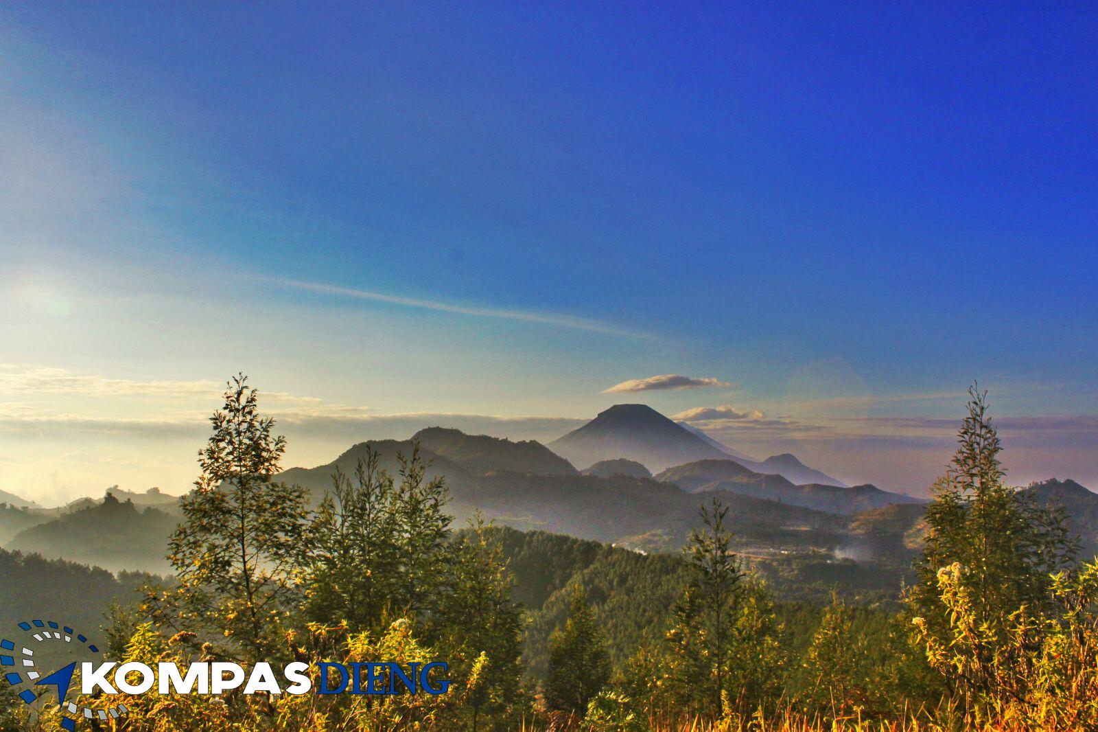 Pesona Padang Savana Gunung Pangonan  